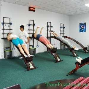 Процедуры вытягивания и упражнения должны быть выполнены строго под присмотром медработников