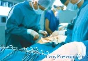 При такой патологии возможно только оперативное лечение